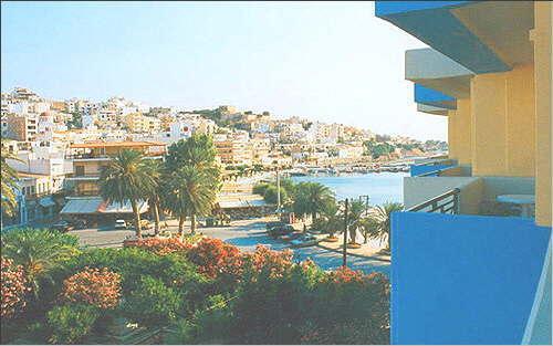 Blick vom Balkon auf die Stadt